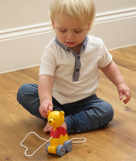 Jucarie de tras, Orange Tree Toys, Winnie The Pooh, din lemn