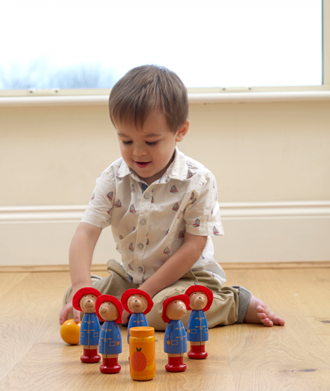 Figurine din lemn, Orange Tree Toys, Paddington, albastru