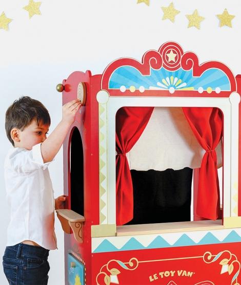 Teatru de papusi, Le Toy Van, din lemn, rosu, 3 ani+