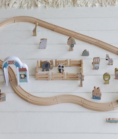 Gradina zoologica cu figurine, Little Dutch, din lemn