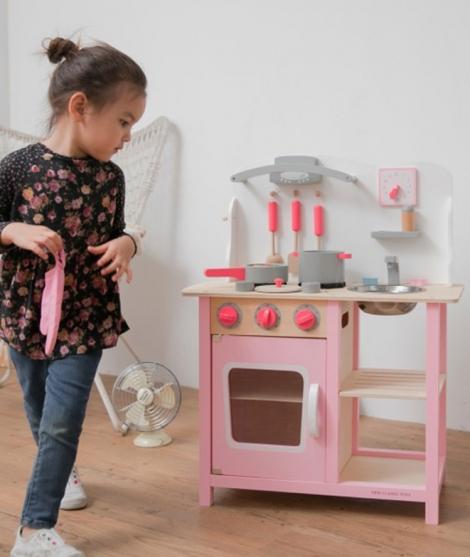 Bucatarie din lemn, New Classic Toys, Bon Appetit, roz