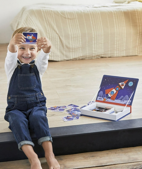 Joc educativ, Janod, Cosmos, cu piese magnetice, 3 ani+