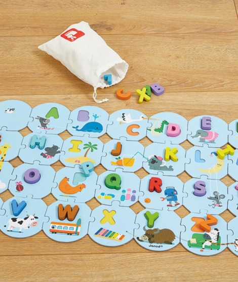Puzzle educativ, Janod, invata alfabetul, din lemn, 28 piese